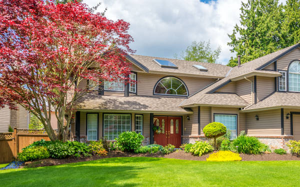Get hassle-free estimates from local landscaping & lawn care professionals and find out how much your project will cost.
