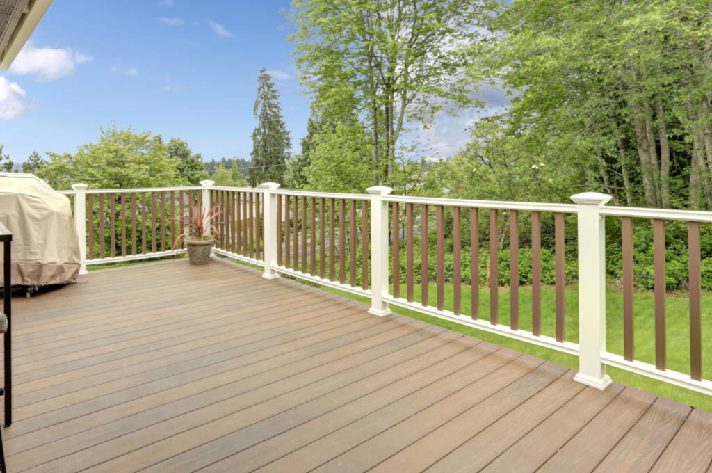 Estimating composite deck flooring materials, hidden fasteners, and screws