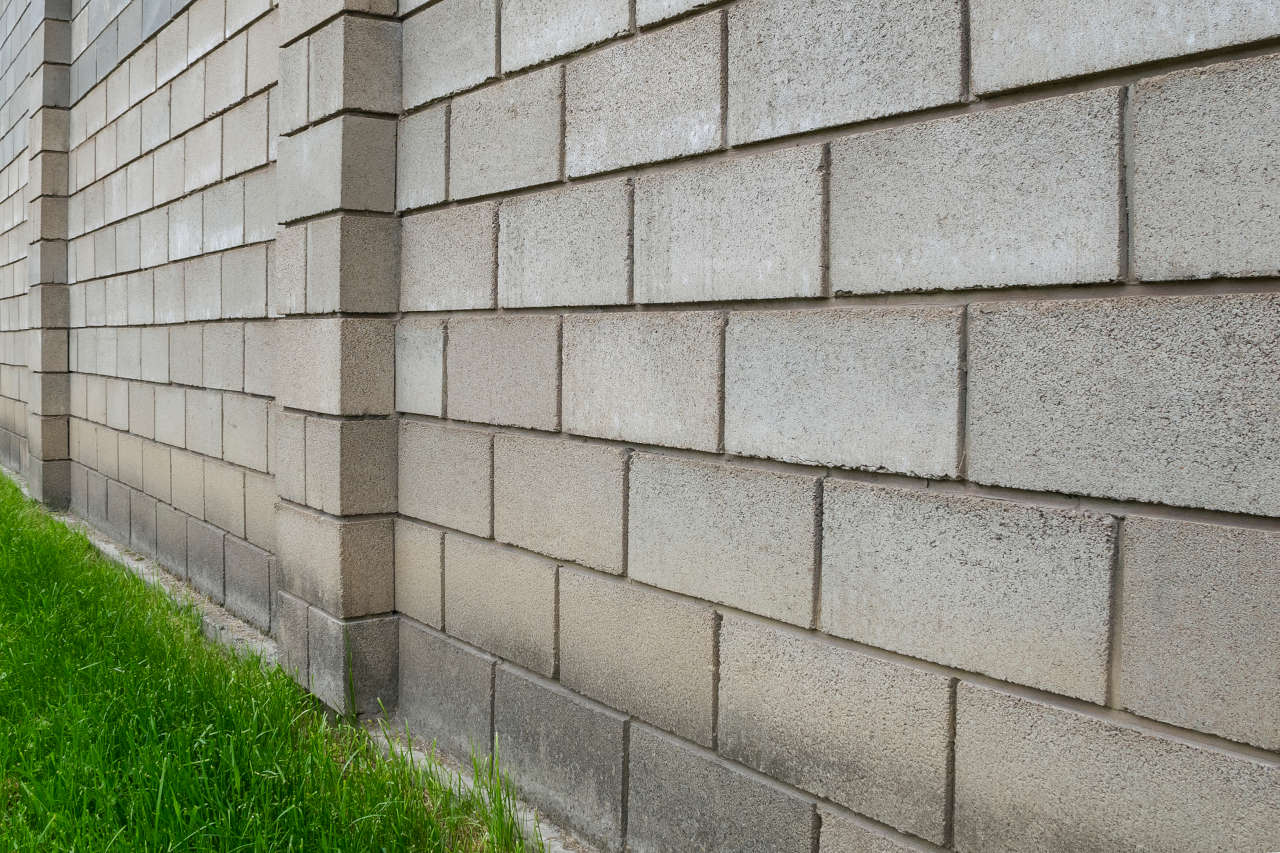 retaining wall constructed from cinder block